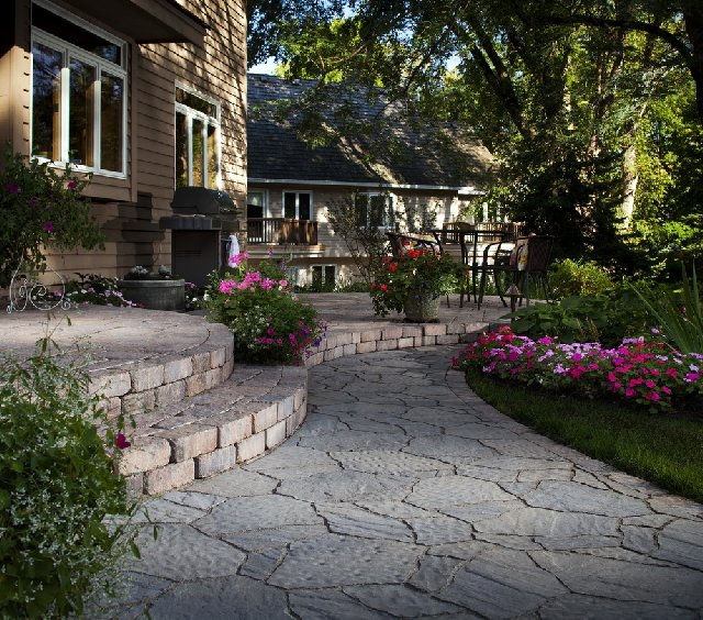 patio with belgard pavers